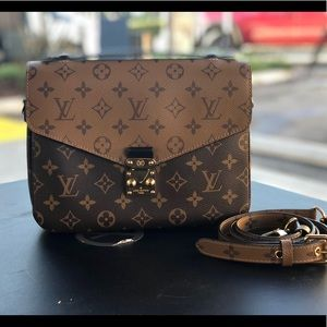 Louis Vuitton Reverse Metis